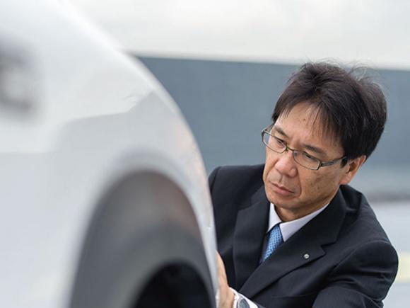 Takeaki Kato. Tak wygląda praca głównego inżyniera Lexusa.