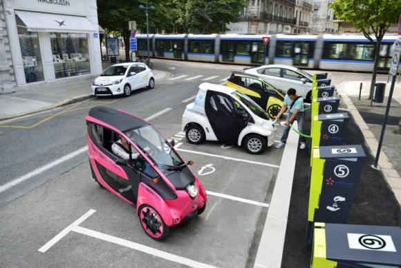 Car-sharing Toyoty w Grenoble ma szanse na komercjalizację