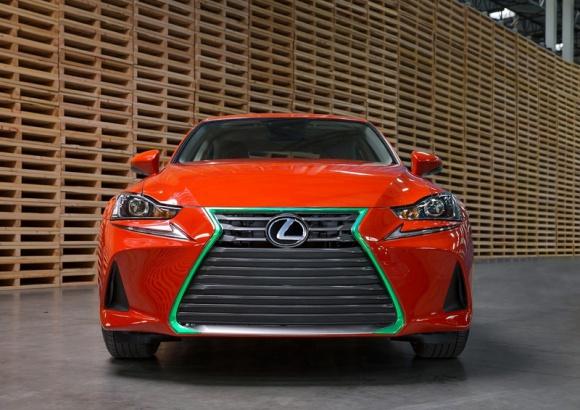 Najostrzejszy Lexus w historii – Sriracha IS