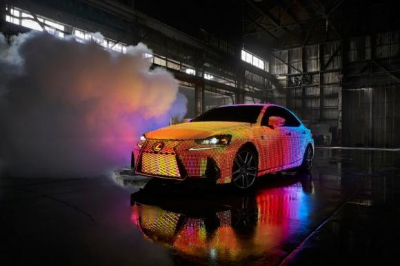 LIT IS – jak Vevo i Lexus zmienili samochód w wielki ekran?
