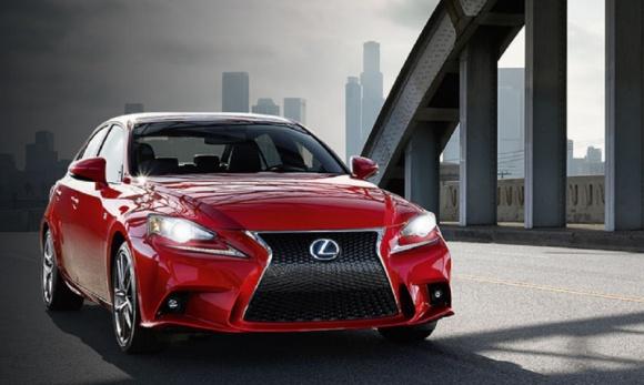 Lexus IS najbardziej niezawodnym samochodem wg Carbuyer Best Awards