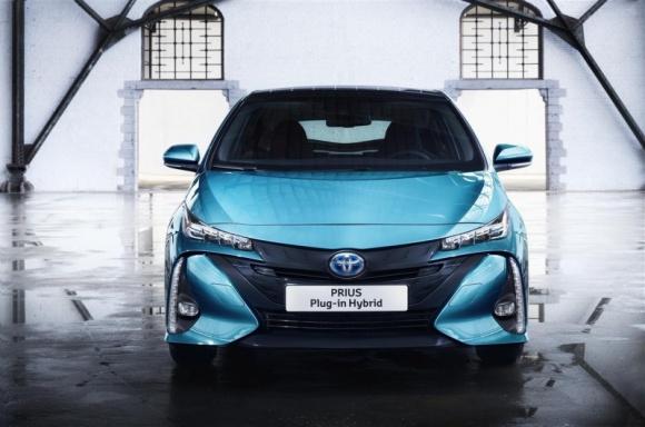 Nowy Prius Plug-in Hybrid pojedzie za punkty