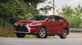 TOP5: Czy luksusowe SUV-y mogą być ekologiczne? BIZNES, Motoryzacja - Jeszcze dekadę temu aspekt ekologii w segmencie samochodów klasy premium nie był brany przez producentów pod uwagę tak mocno, jak w chwili obecnej.