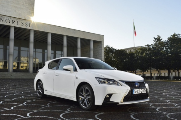 Kolejny rok rekordów Lexusa w Europie