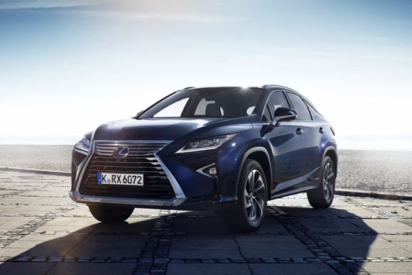 Toyota i Lexus z najwyższymi ocenami bezpieczeństwa IIHS