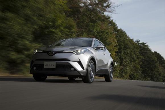 Hybrydy coraz silniejsze na rynku. Toyota liderem