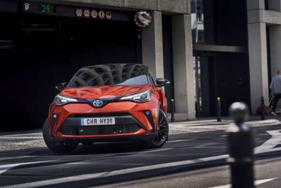 Marka Toyota liderem globalnego rynku już po raz 10. z rzędu