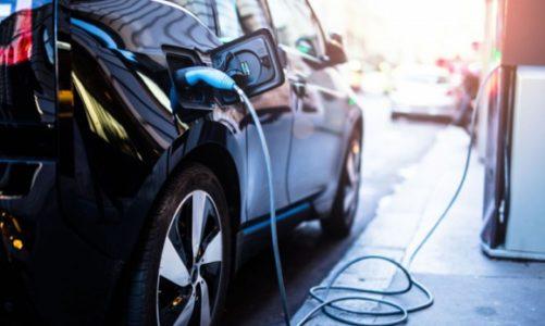 Samorządy na drodze do elektromobilności: dyskusja w cieniu kryzysu