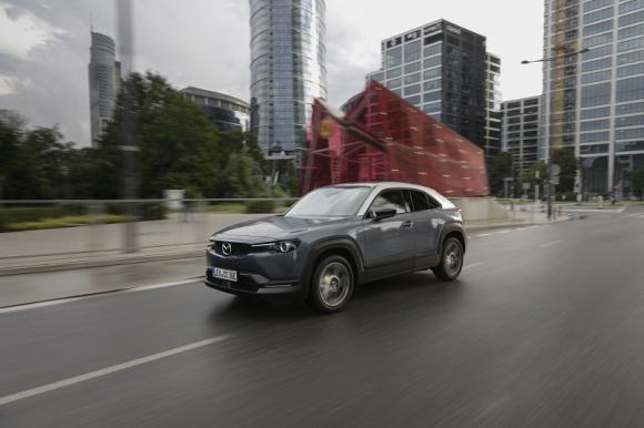 Elektryczna Mazda MX-30 rusza w trasę po Polsce w ramach Mazda Experience Days